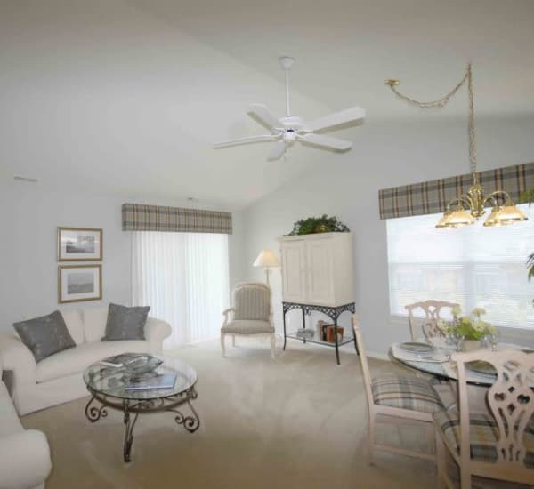 Living and dining area at Briarcliff Village
