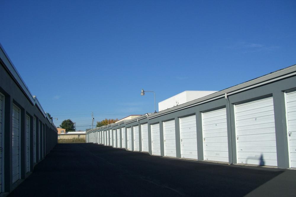 A conveniently wide driveway at U-Lock-It Self Storage in Vancouver, Washington
