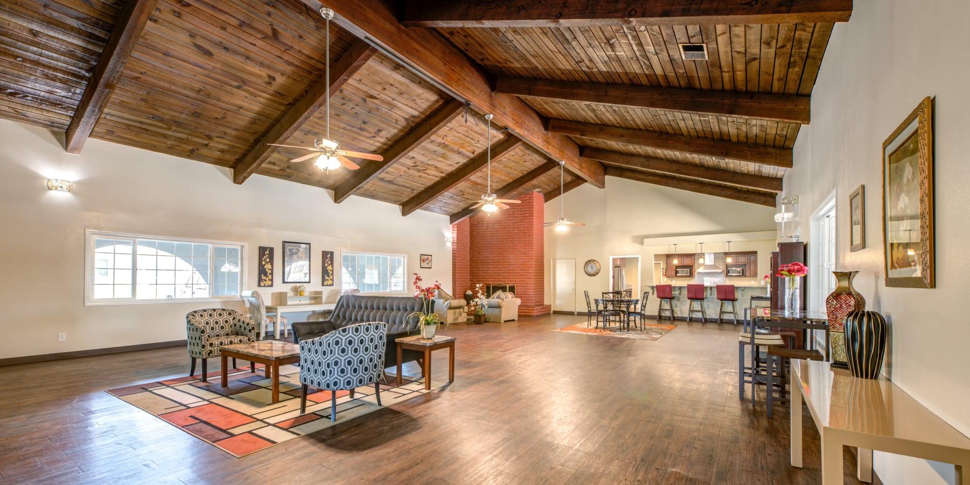 FollettMHC in Sacramento, California offers manufactured home communities