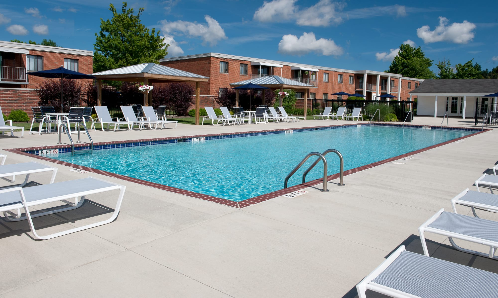 Apartments at Colony Club in Bedford, Ohio