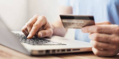 Resident Paying Online at The Crossroads in Van Nuys, California