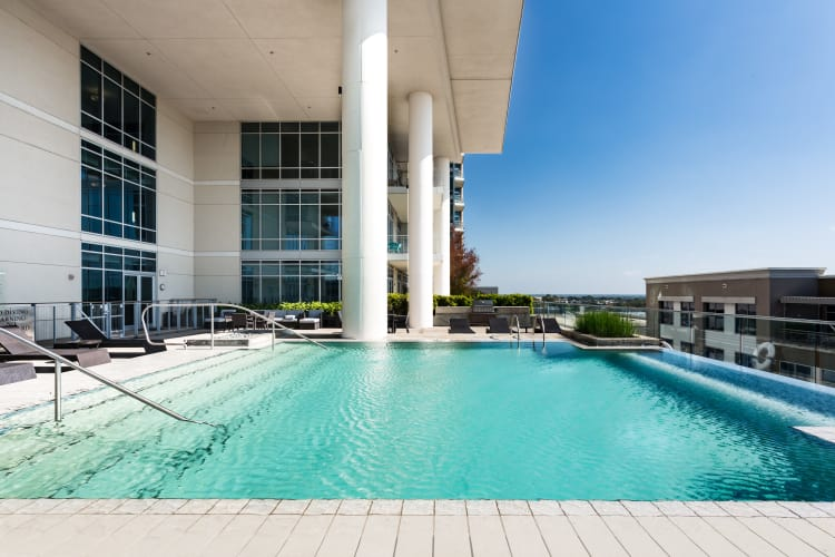 The Heights at Park Lane pool overlooking Dallas, TX