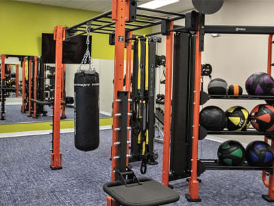 Well-equipped and recently renovated onsite fitness center at Onyx Winter Park in Casselberry, Florida