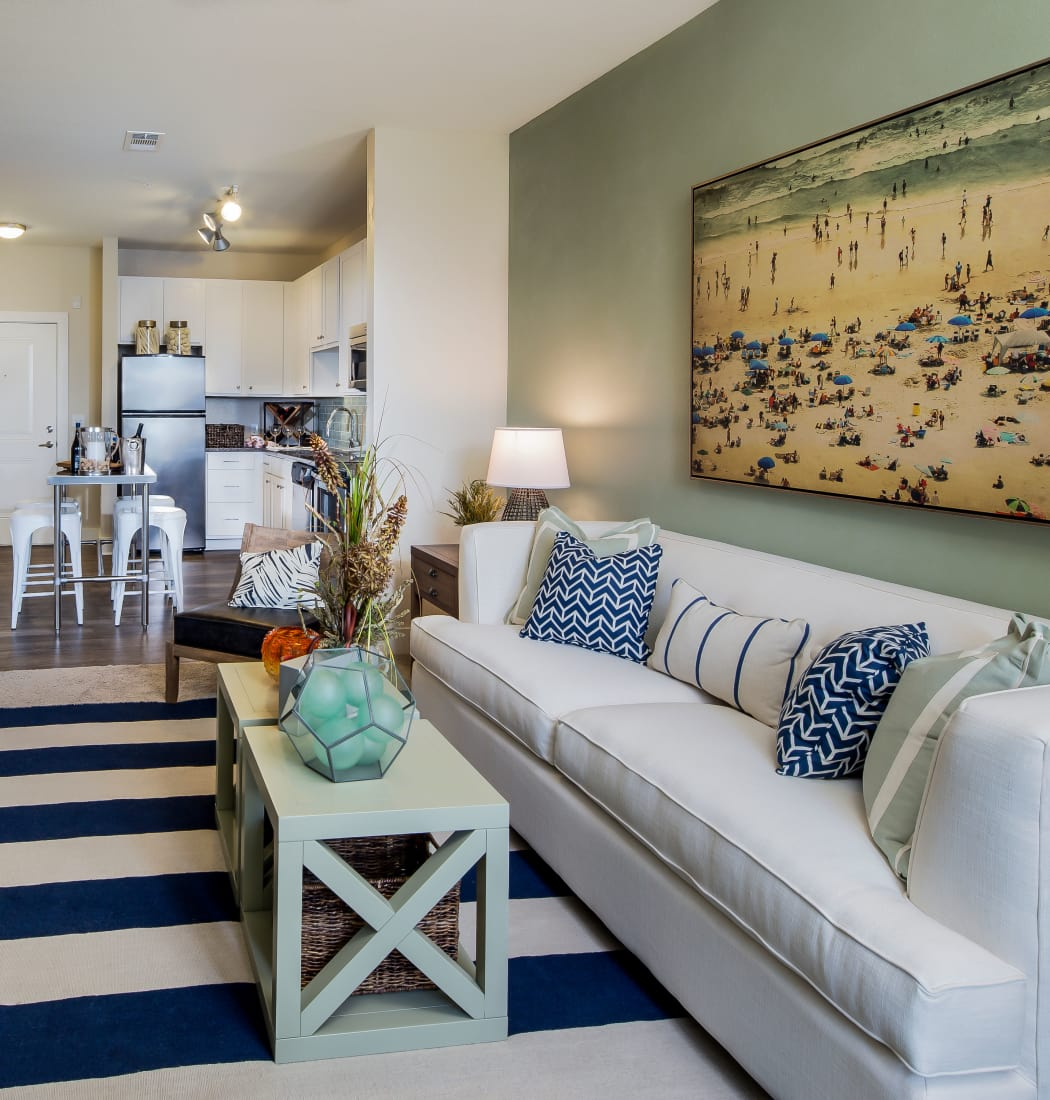 Apartment features at BluWater Apartments in Jacksonville Beach, Florida