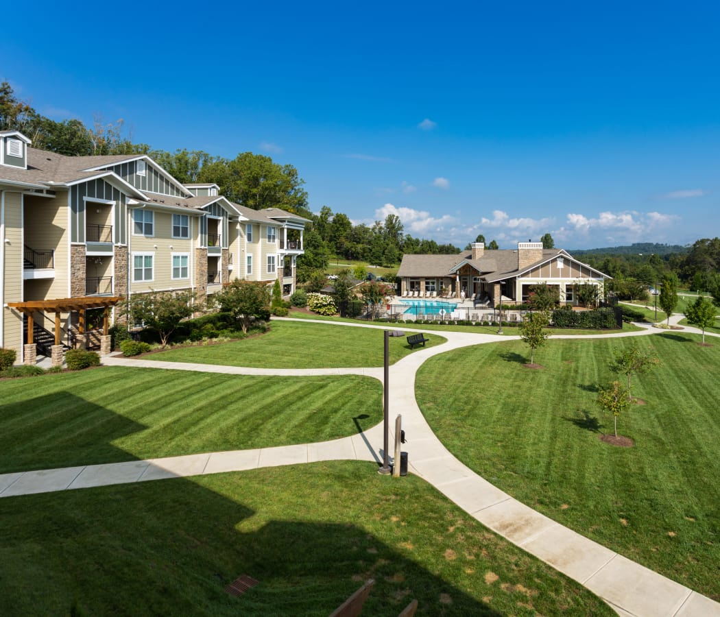 Well-landscaped grounds at The Preserve at Hardin Valley in Knoxville, Tennessee