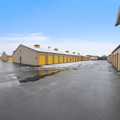 Outdoor ground floor units at Storage Star Federal Way in Federal Way, Washington