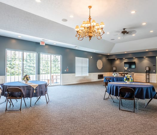 Community dinner area at Avon Commons in Avon, New York