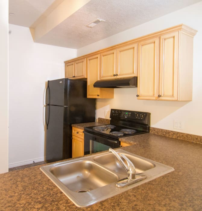 Modern kitchen at Ridgeview Apartments