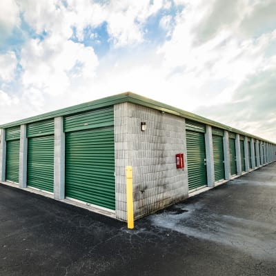 Self storage units at Neighborhood Storage in Ocala, FL