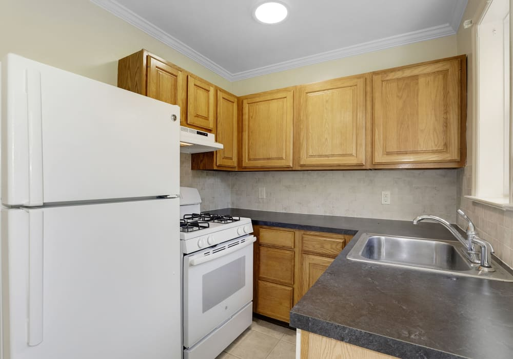 Fully-equipped kitchen at Mayflower Apartments in Ridgewood, New Jersey