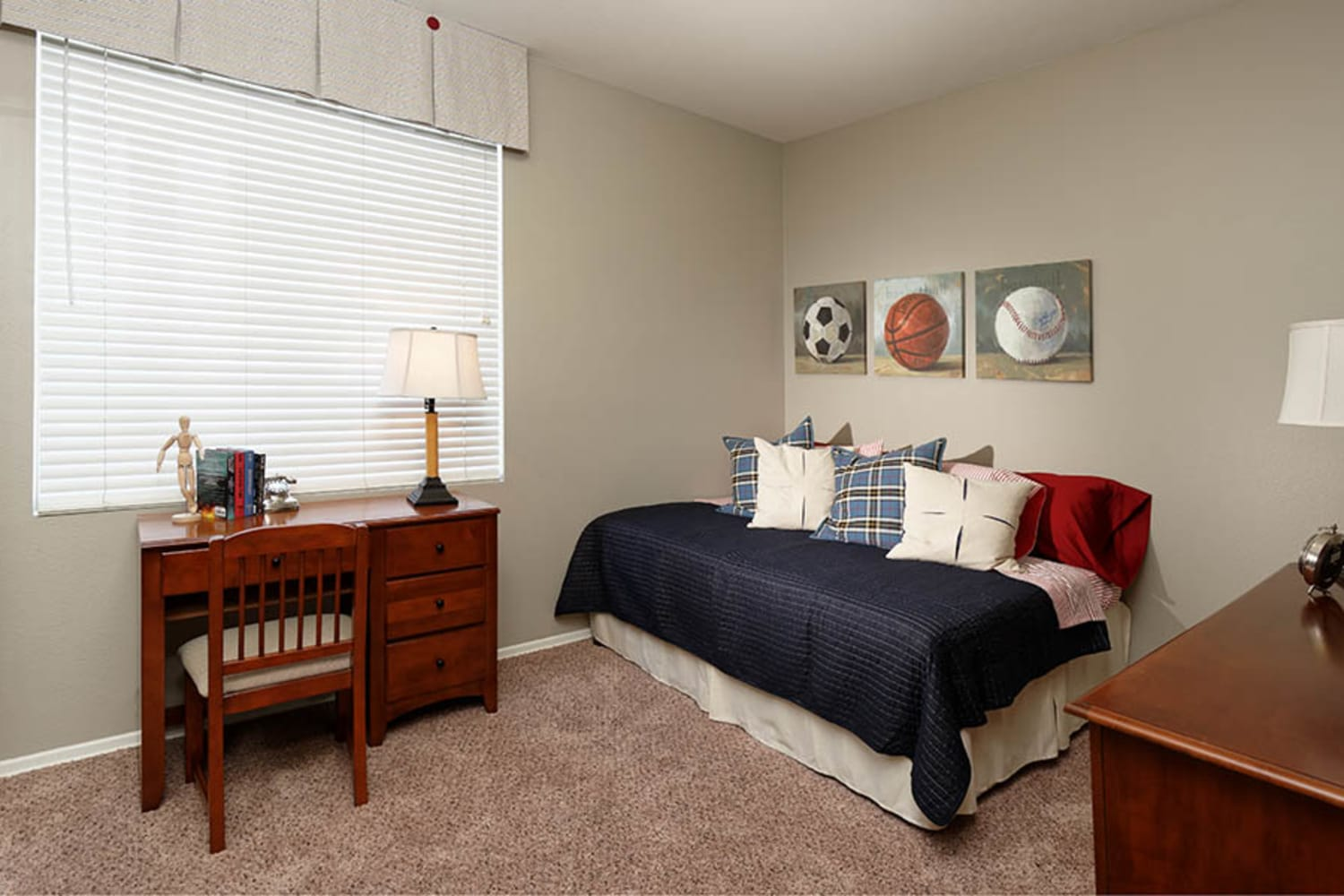 Camino Real offers spacious bedrooms in Rancho Cucamonga, California