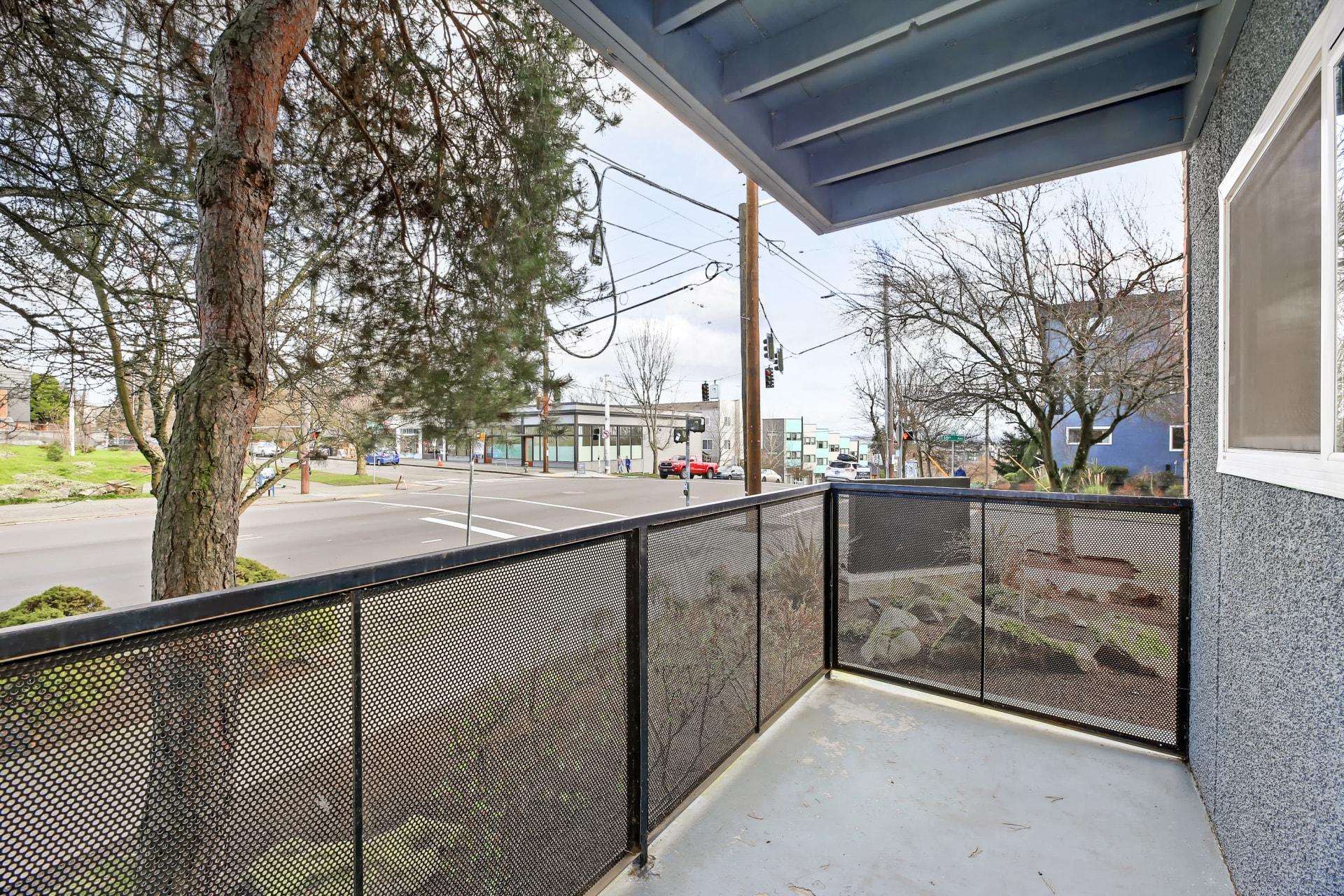 Private patio area at Union 18 in Seattle, Washington