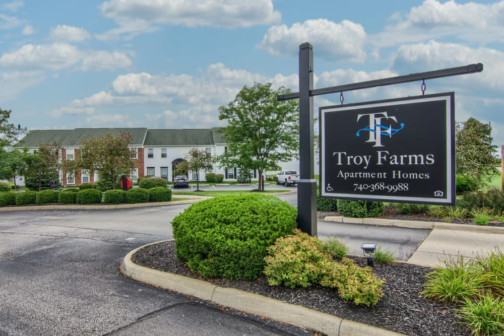 Beautiful entryway at Troy Farms in Delaware, Ohio