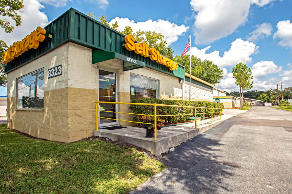 Leasing office exterior view at Metro Self Storage in Tampa, Florida