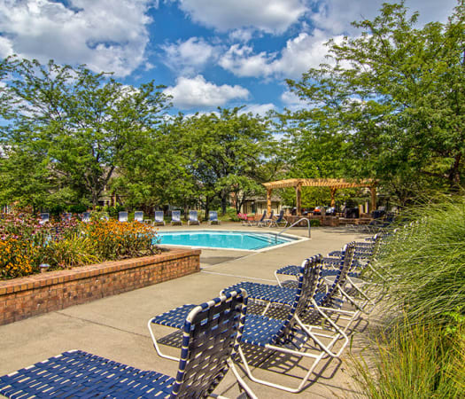 Poolside seating at Perry's Crossing Apartments in Perrysburg, Ohio