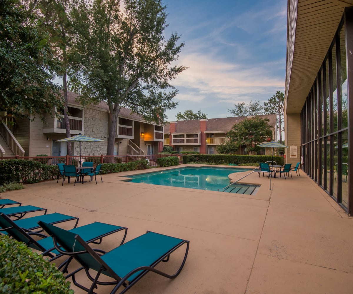 Resort style pool at Sunchase Apartments in Tulsa, Oklahoma