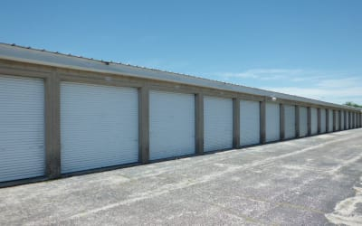 Wide aisle for easy access with auto, rv and boats.