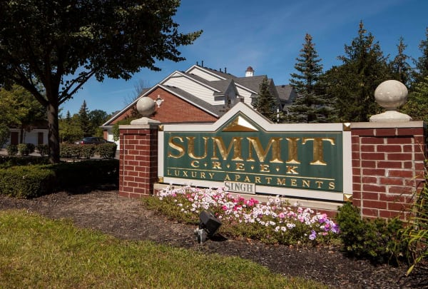 Summit Creek main sign in Canton, MI