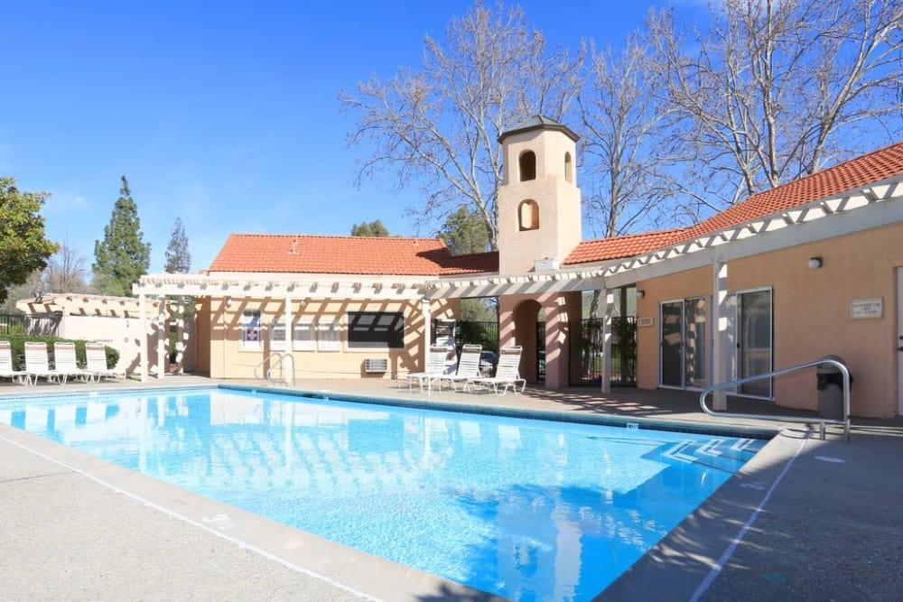 Sparkling swimming pool at Berkshire Laurel Creek Fairfield, California