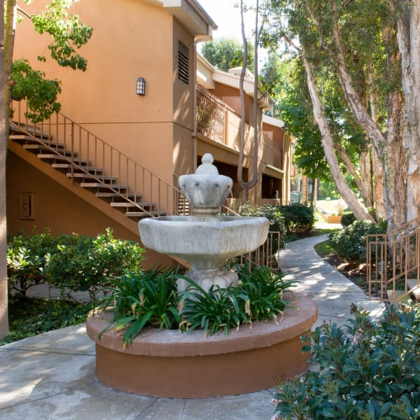 Luxury apartments for rent at Seapointe Villas in Costa Mesa