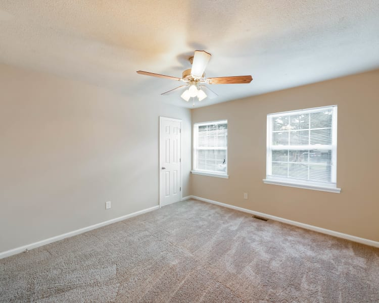 Large bedrooms with natural light at Redmond Chase Apartments in Rome, Georgia