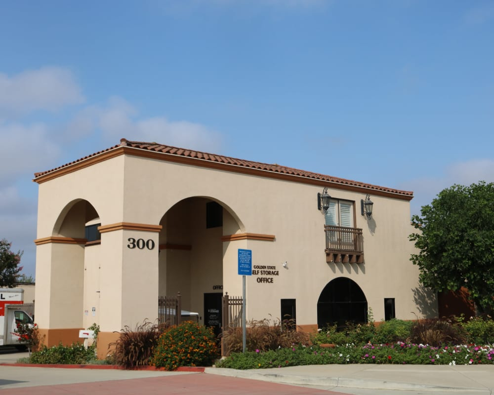 Exterior of Golden State Storage - Camarillo in Camarillo, California