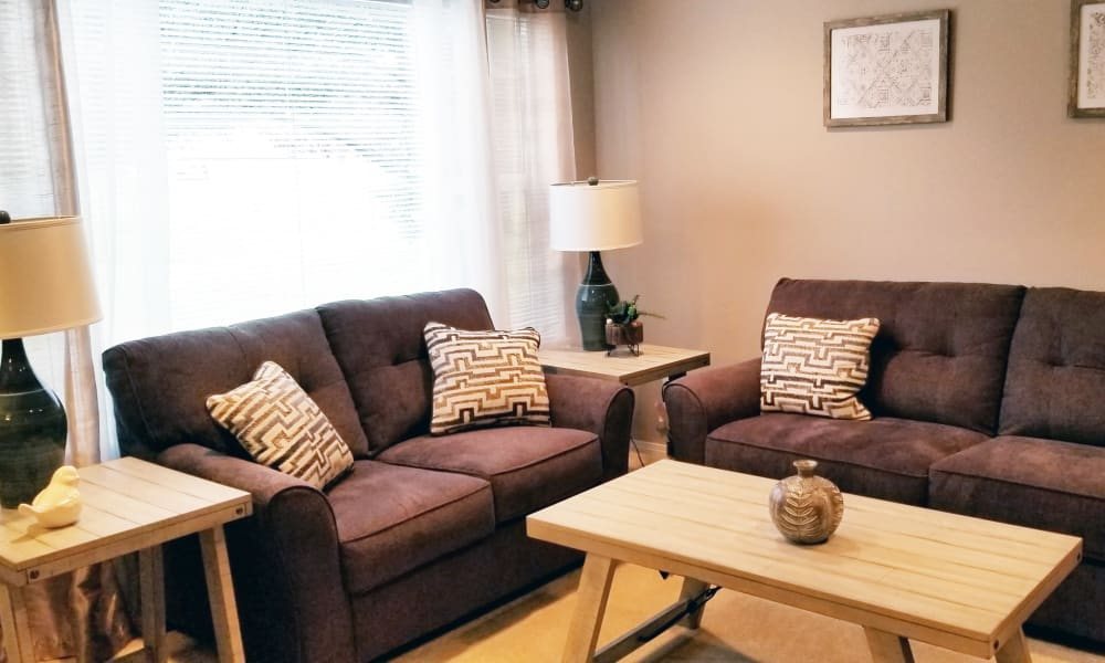 Furnished living area at Meadowlark Senior Living in Lebanon, Oregon