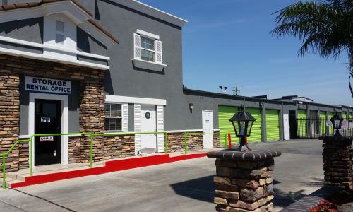 One Stop Storage - Santa Ana