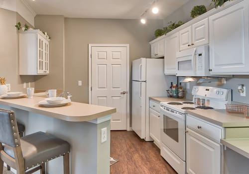 Fully equipped kitchen at Chelsea Place in Toledo, Ohio