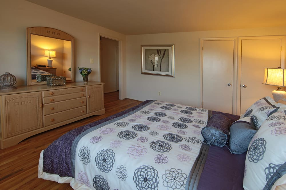 Large bedroom at Foxridge Townhomes in Essex, Maryland