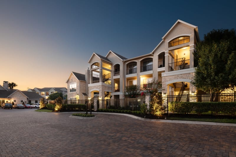 Exterior view of complex at The Retreat at Cinco Ranch in Katy, Texas