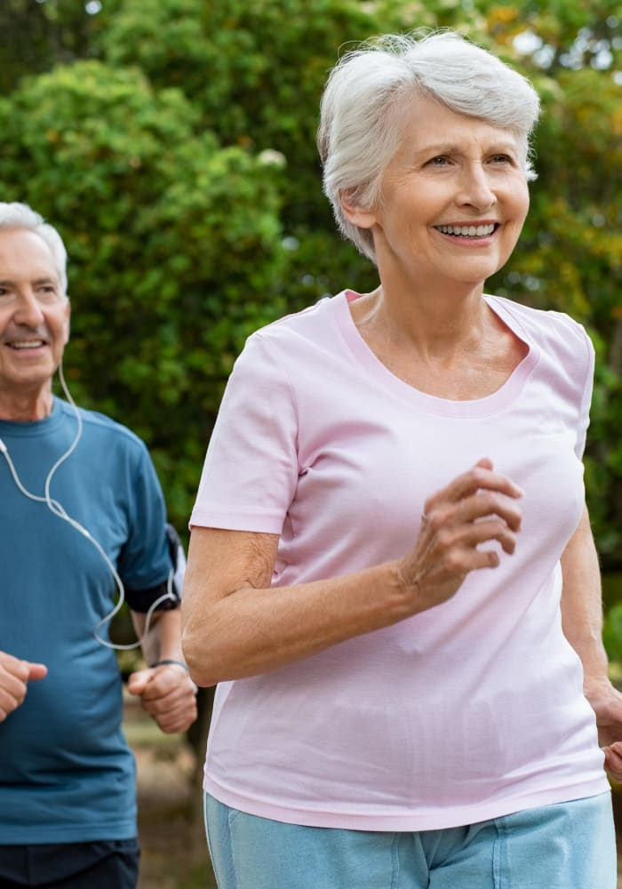 Resident couple out jogging near Meridian Senior Living in Bethesda, Maryland