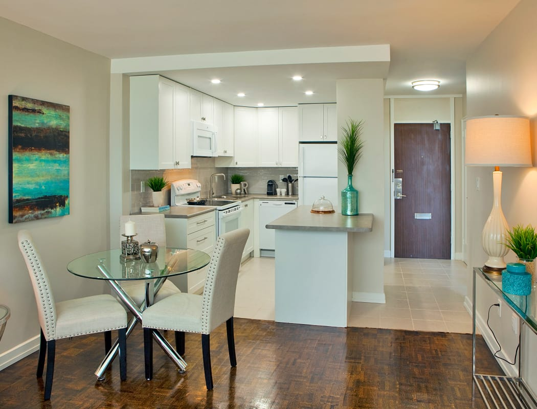 Modern Kitchen and dining room at Applewood on the Park in Mississauga, Ontario