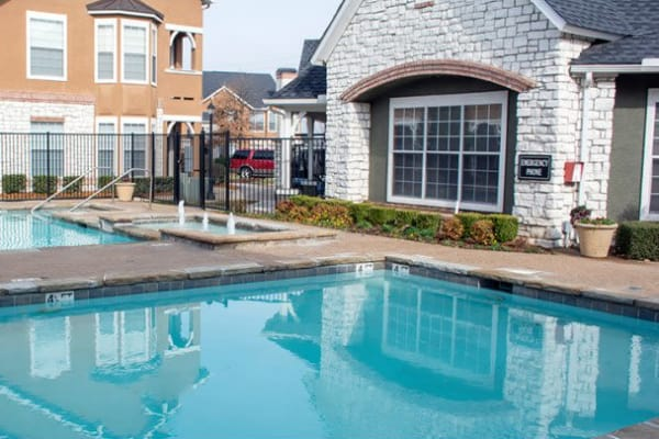 Resort-style swimming pool at Stonehaven Villas in Tulsa, Oklahoma