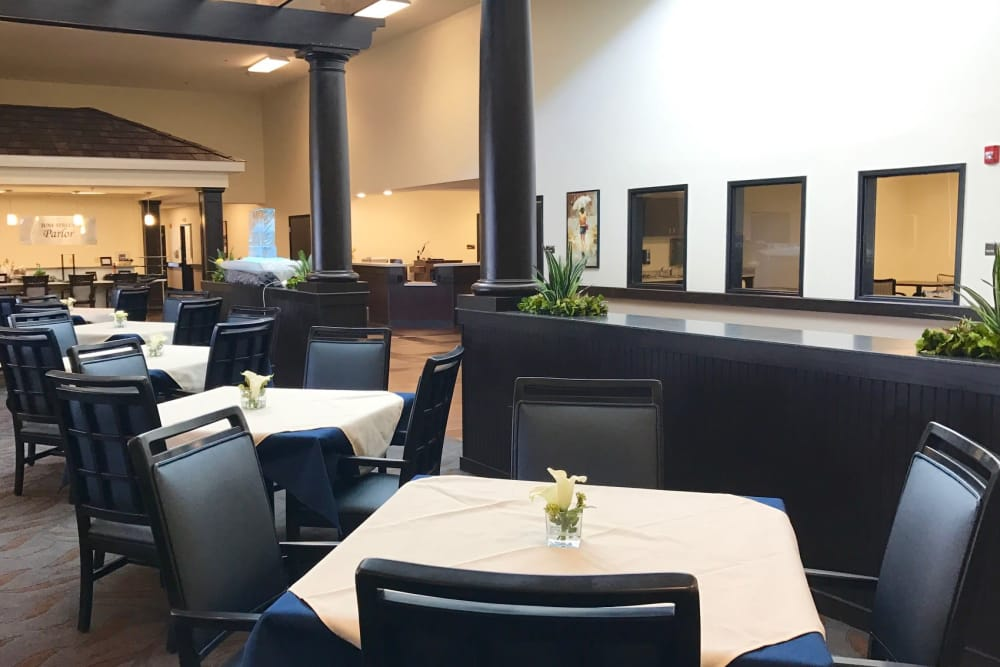Dining at Valley View Health Campus in Fremont, Ohio
