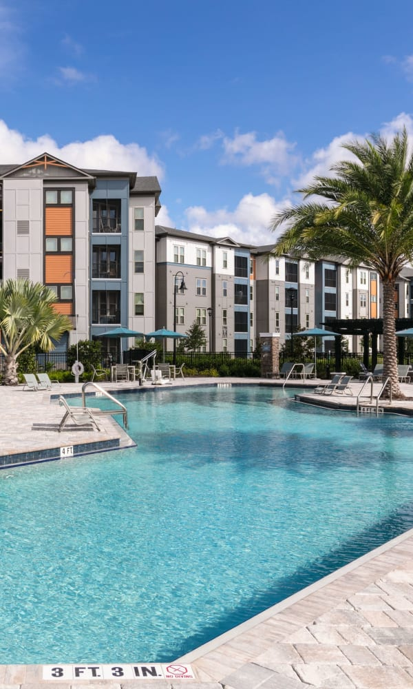 Gorgeous swimming pool and lounge area at Integra 289 Exchange in DeBary, Florida
