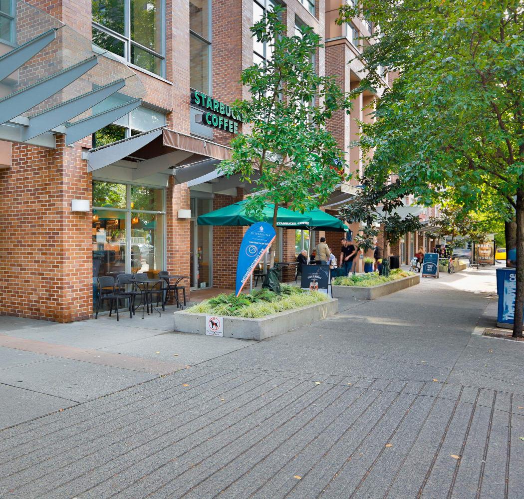Curbside view of Metropolitan Towers in Vancouver
