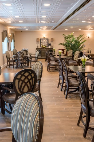 Learn about our dining program at Inspired Living in Sugar Land, Texas