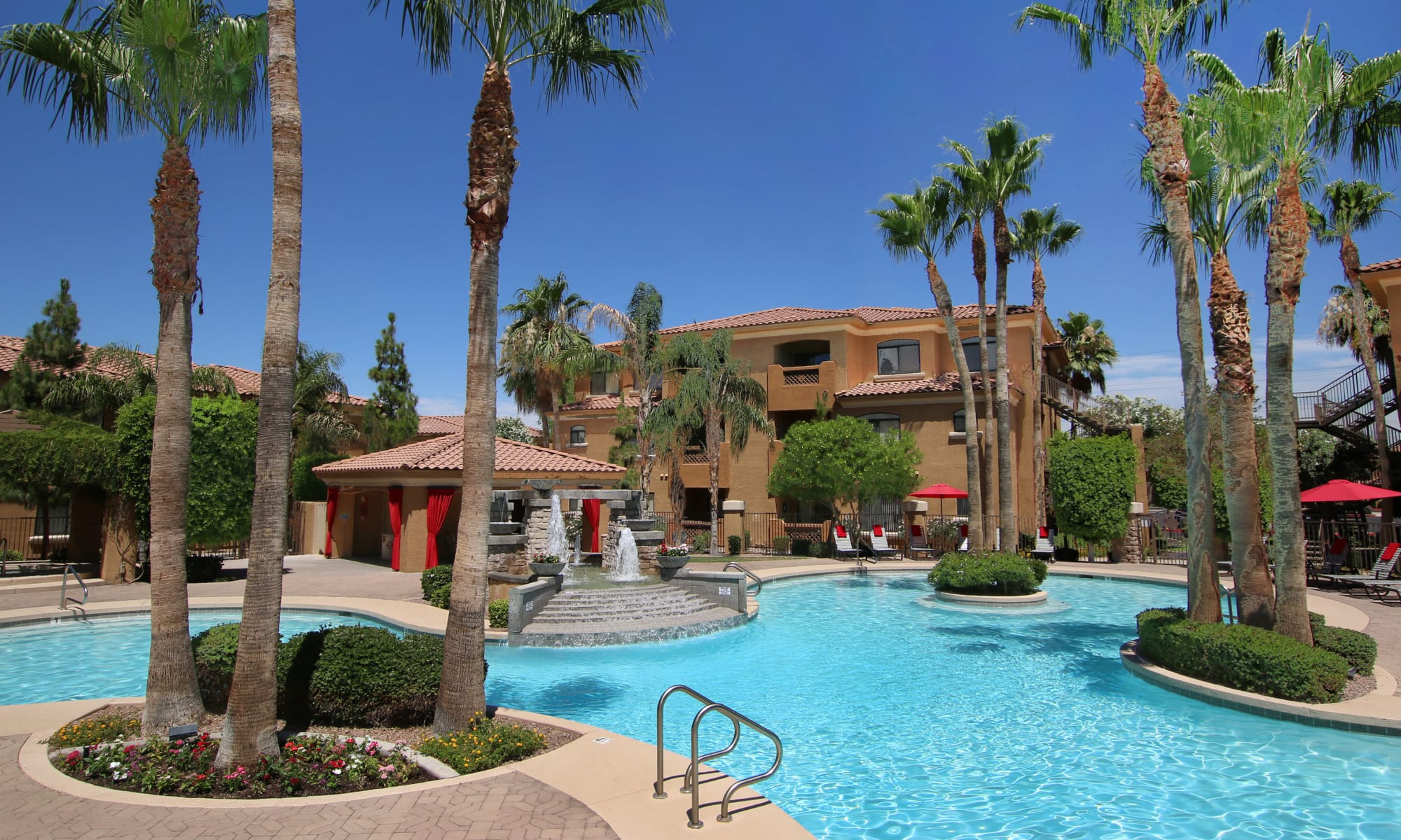 The Retreat at the Raven Apartments in Phoenix, Arizona