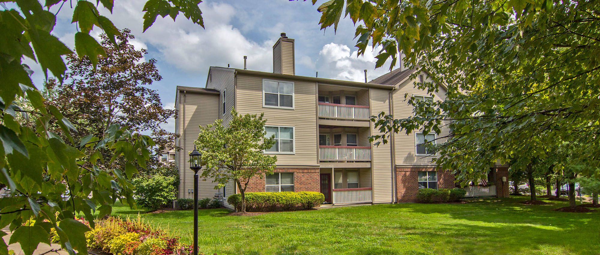 Apartments at Club at North Hills in Pittsburgh, Pennsylvania