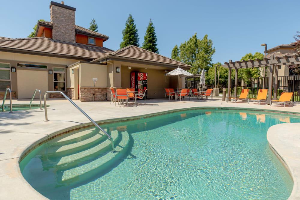 Resort-style spa and swimming pool at Wolf Ranch Condominium Rentals in Sacramento, California