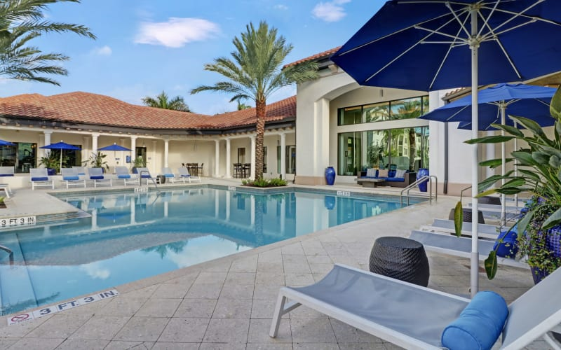 Resort-style swimming pool at Linden Pointe in Pompano Beach, Florida