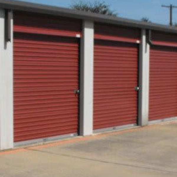 Climate-controlled outdoor units at StorQuest Self Storage in Dallas, Texas