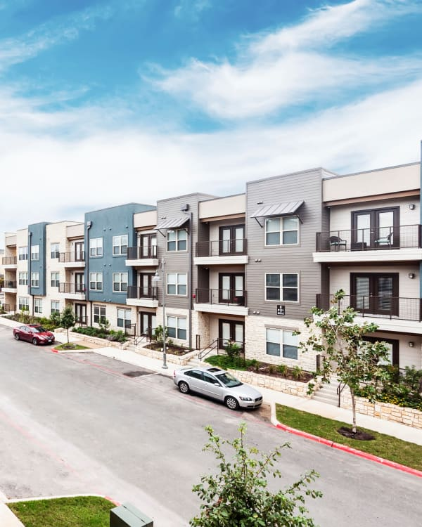 Far North Central San Antonio Apartments & Townhomes Near