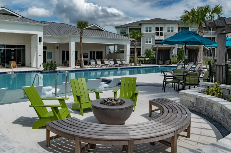 Incredible resort style swimming pool on a gorgeous day at Reunion at 400 in Kissimmee, Florida