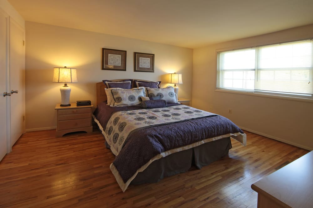 Large open bedroom at Foxridge Townhomes in Essex, Maryland