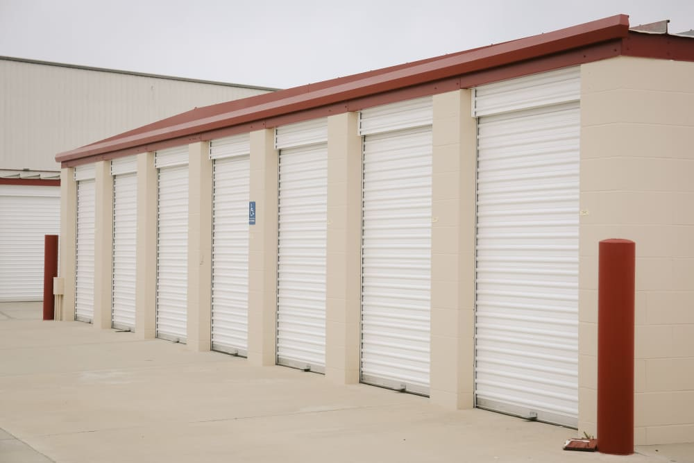 Exterior Building at the Self Storage in Visalia
