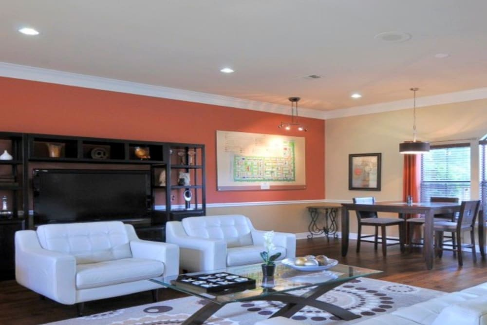 Lounge at Legacy of Cedar Hill Apartments & Townhomes in Cedar Hill, Texas