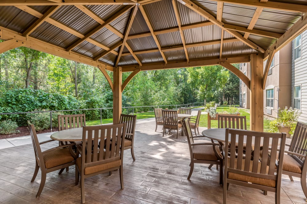Outdoor dining and patio at Canyon Creek in Cottonwood Heights, Utah