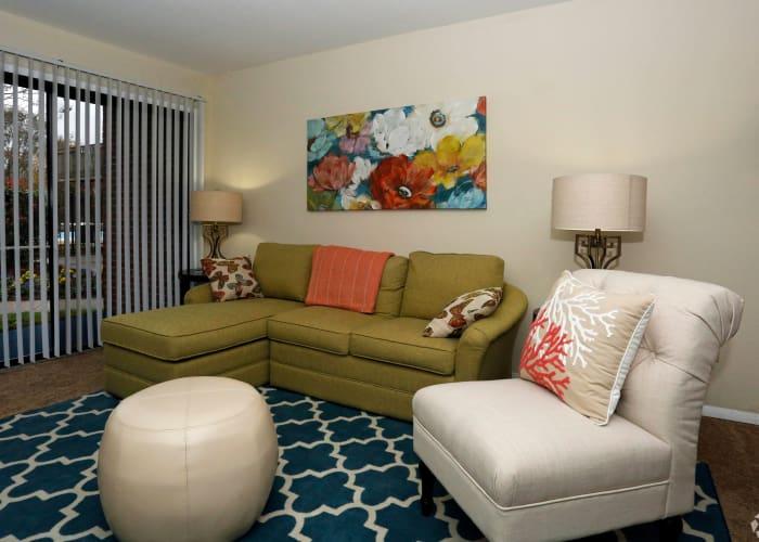 Photos of Pembroke Lake Apartments in Virginia Beach, Virginia